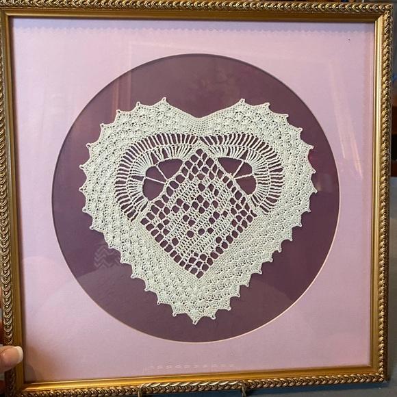 Vintage professionally framed handmade ❤️ doily
